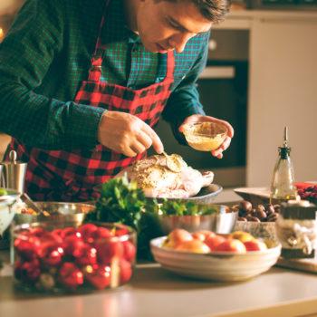 Speiseöle, die für ein gelungenes Weihnachtsessen in der Küche nicht fehlen dürfen