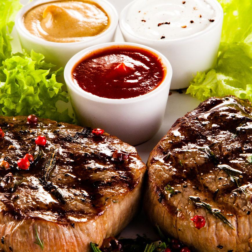 Gegrillte Steaks mit Dips 1845 Rapsöl